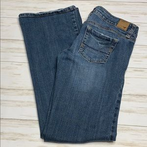 Size 4 American Eagle Favorite Boyfriend Jeans